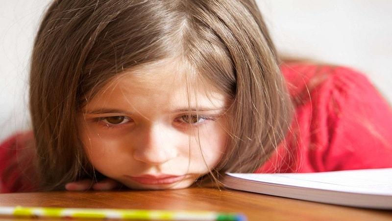 چگونه کودکان را به درس خواندن علاقه مند کنیم