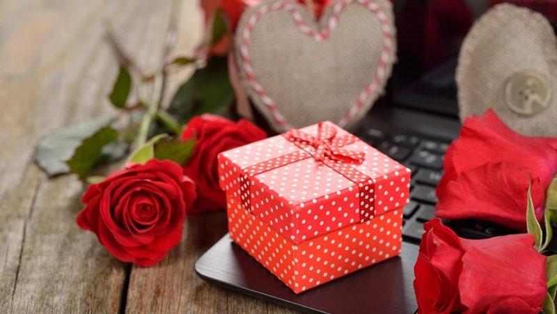 سورپرایز های عاشقانه تولد