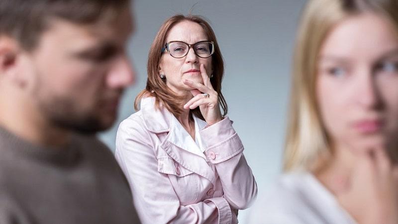 چگونه با مادر شوهر خود رفتار کنیم؟